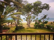 2 bedroom beachfront house for rent in Meneou