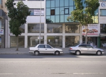 Showroom for rent in Makariou Avenue