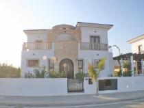 Luxury villa for sale off the Larnaca Dhekelia road