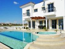 Luxury detached villa for rent