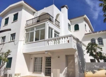 Three storey detached house in Drosia